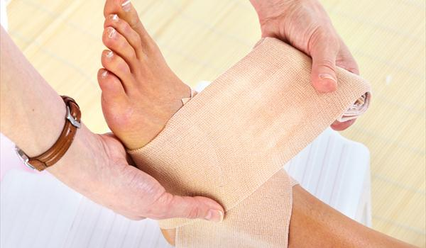 Heating pad in gout treatment and other ways to relieve pain