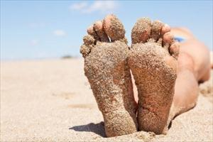 What Gout: Quercetin and Bromelain are helpful gout dietary supplements